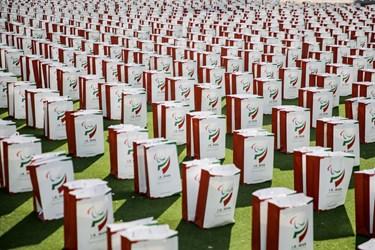 اهدای  شش هزار بسته ویژه  تیشرت، کلاه، کاور، ماسک، مایع ضد عفونی و ... به بهزیستی و مدارس به دانشآموزان مدارس استثنایی کشور