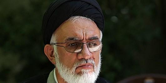 زیر سوال بردن عظمت اسلام و پیامبر توسط دنیای استکبار نتیجهای جز خودزنی ندارد