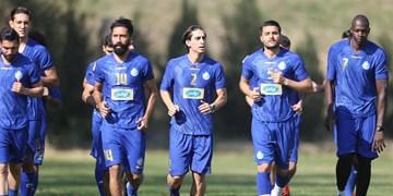 فیلم/ ورود بازیکنان استقلال به ورزشگاه شهر قدس