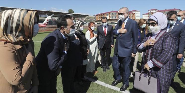 کیف دستی فرانسوی همسر اردوغان جنجال برانگیز شد