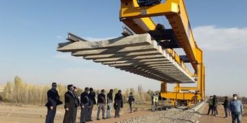 افزایش شتاب ریلگذاری راه آهن اردبیل با استفاده از جرثقیل پنلگذار