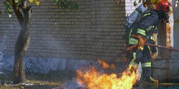 آتشسوزی مهیب کارگاه تولید مصنوعات فلزی در غرب مشهد مهار شد