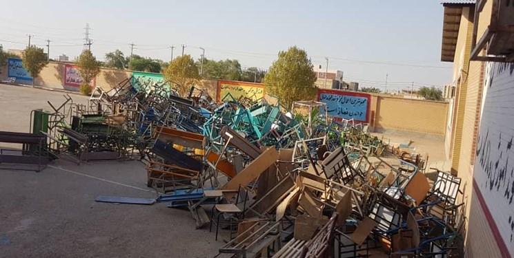 یک ایده ناب جهادی| تعمیر و نوسازی 19 هزار نیمکت مدرسه