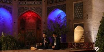 دوبیتیخوانی در شب میلاد پیامبر اکرم (ص)/از کرمان تا کرمانشاه در شب سوم جشنواره نواحی