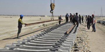 ریل ملی ارزانتر از ریل وارداتی/ راهآهن خواف - هرات کشورهای چین، ترکمنستان و قزاقستان را به ایران وصل میکند