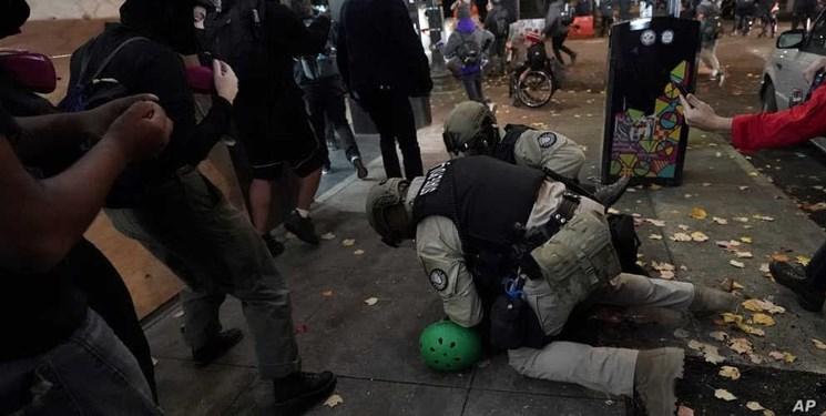 فیلم| تظاهرات، درگیری و بازداشت دهها نفر در آمریکا پس از انتخابات