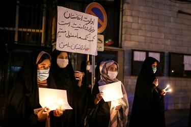 حضور دانشجویان به نشانه همدردی با افغانستانیها در سومین روز شهادت دانشجویان دانشگاه کابل