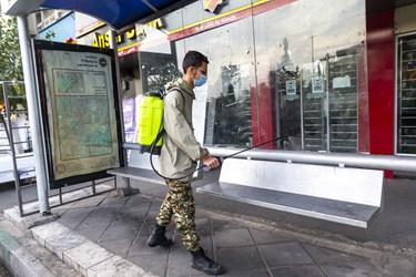 ایستگاههای اتوبوس به عنوان یکی از کانونهای پرتردد و شیوع ویروس کرونا محسوب میشوند که ضدعفونی آن میتواند تا حد زیادی از انتقال این ویروس جلوگیری کند.