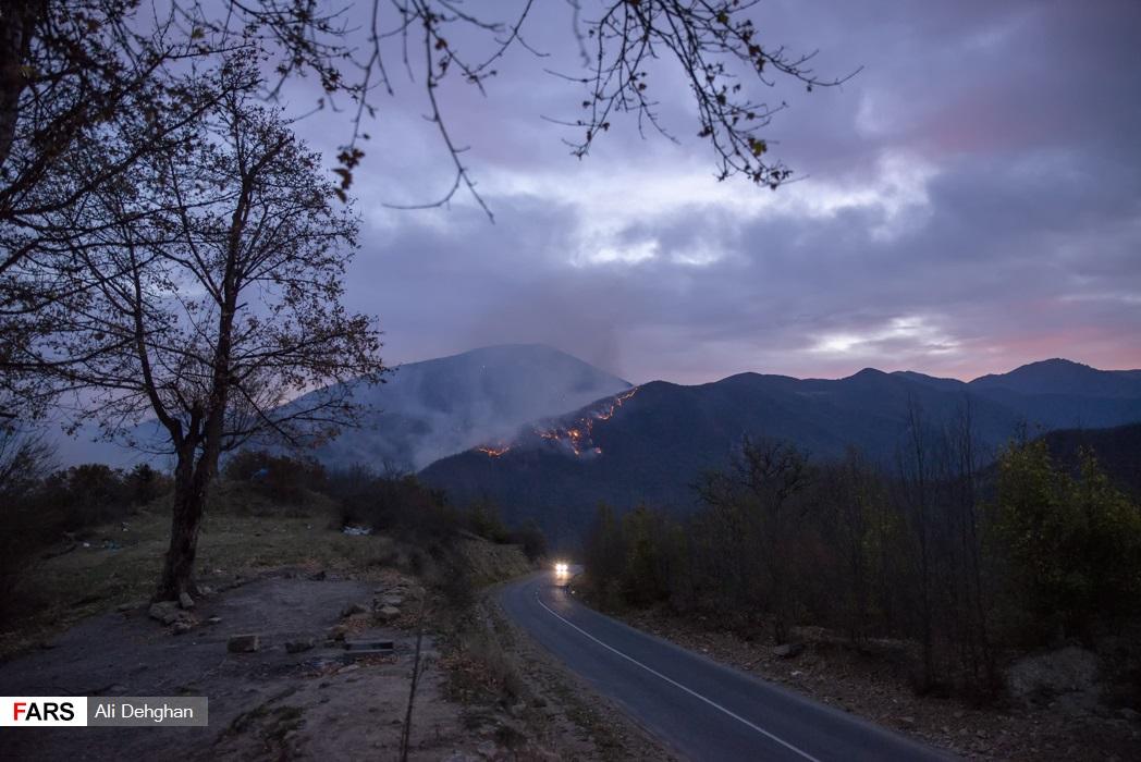 آتش از بامداد یکشنبه 11 آبان ماه شروع گردیده است