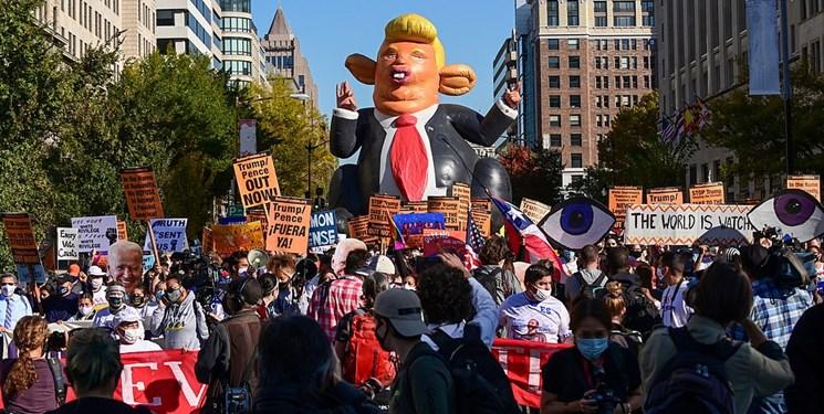 تجمع اعتراضی مقابل کاخ سفید| معترضان: ترامپ تو اخراجی!