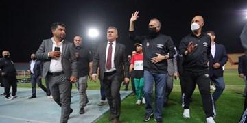 نخست وزیر عراق در تمرینات رقیب ایران حاضر شد+عکس