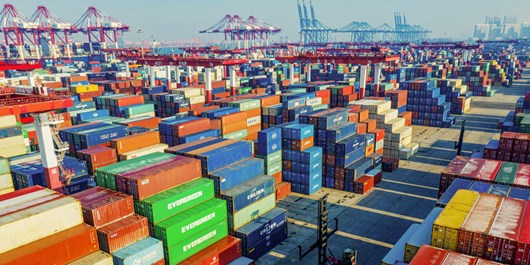 تولید صادرات محور، ضرورت توسعه اقتصادی/شیوههای تجارت سنتی در تقابل با اقتصاد برونگرا و صادرات