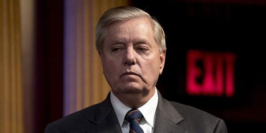 سناتور جمهوریخواه: بایدن آمریکا را به سمت یازده سپتامبری دیگر میبرد
