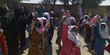 توزیع هزار ماسک در میان دانش آموزان زابل و زاهدان/ لزوم تصویب قانون برای رفاه بیشتر پرستاران