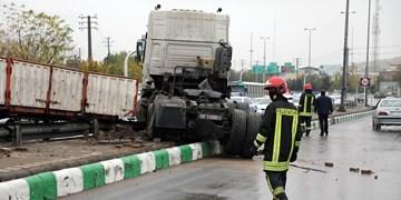 حوادث رانندگی ناشی از بارش نخستین باران پاییزی در مشهد