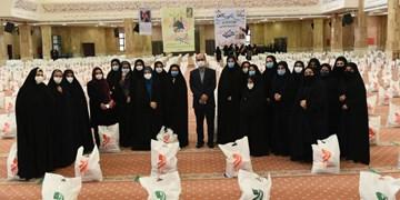 اهدای 10 هزار بسته معیشتی سمنهای گلستان در همایش همدلی