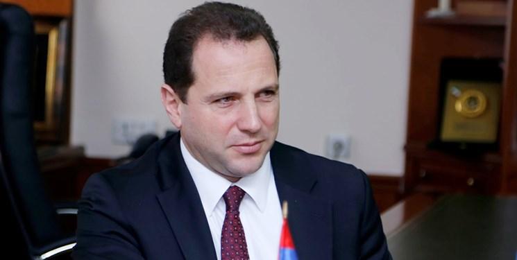 وزیر دفاع ارمنستان: استقرار نیروهای حافظ صلح روسیه بهترین گزینه است