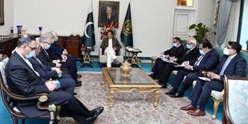 دیدار ظریف با نخست وزیر پاکستان/ امیدواری عمران خان نسبت به توسعه روابط
