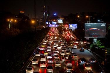 ترافیک ساعت 18  تهران اتوبان همت شرق