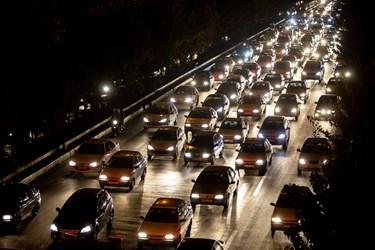 ترافیک ساعت 18  تهران اتوبان چمران جنوب