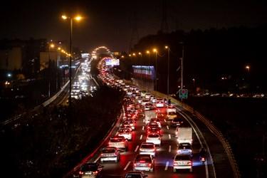 ترافیک ساعت 18  تهران اتوبان حکیم غرب