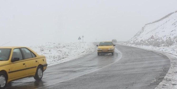 بارش برف و باران در جاده های ۹ استان