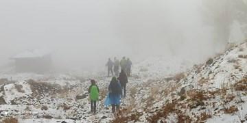 نجات ۹ کوهنورد گرفتار در برف و کولاک ارتفاعات کلکچال
