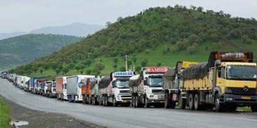 اتخاذ 2 تصمیم برای کامیونهای متوقف پشت پایانه دوغارون/کامیونهای افغان به خاک افغانستان بر میگردند