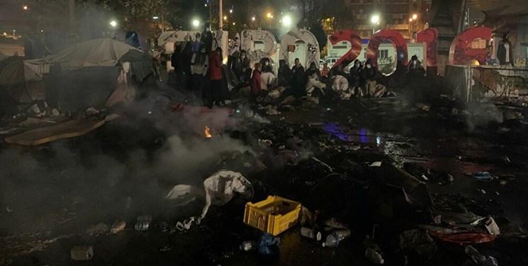 تخلیه اجباری 2500 پناهجو از کمپ پناهجویان در حومه پاریس