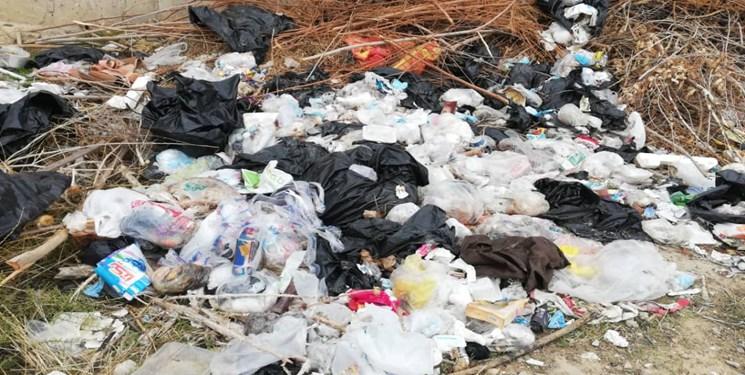 زبالههای عفونی پشت دیوار کوتاه بیمارستان شهید رجایی گچساران!/به فکر سلامت رادکیها باشید+تصویر