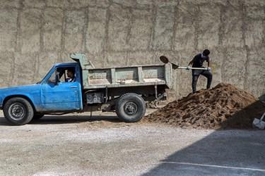 رزمایش بسیج سازندگی حضرت نبی اکرم (ص) با اجرای ۴۰۰ پروژه عمرانی و غیرعمرانی توسط قرارگاه جهادی انصار الحجه در کوی شهید سلیمانی منبع آب اهواز آغاز شد