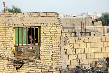 بازسازی طرح  ۲۰۰ خانه دیگر هم در شرق اهواز، غرب اهواز، ملاثانی، حمیدیه و کارون و در کل ۵ ناحیه با برآورد مالی سه میلیارد در دستور کار قرار داد.