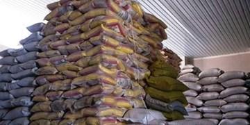 برنجهای دپوشده در گمرک از بلاتکلیفی درآمدند/ ترخیص و بارگیری ۱۲ هزار تن برنج