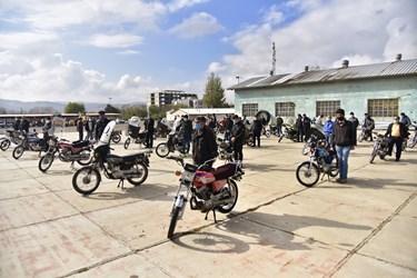 حضور موتور سواران در همایش ارتقاء ایمنی موتورسواران در زنجان