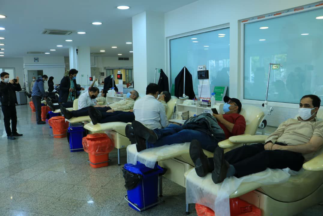 13990829000417 Test NewPhotoFree - حضور اعضای گروه محمد رسول الله (ع) در مرکز انتقال خون+فیلم و عکس