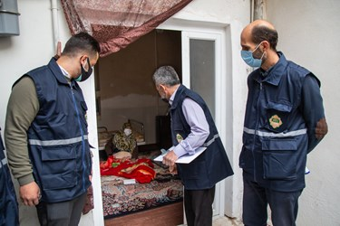 حضور تیم غربالگری در منزل شهید فاتحی در محله هرندی