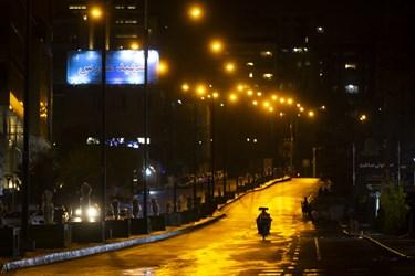 بلوار سعادتآباد پس از ممنوعیت عبور و مرور ساعت 21