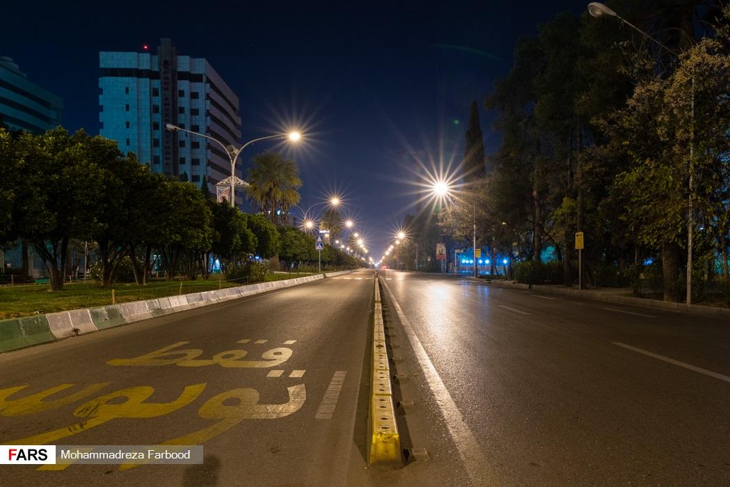 خیابان زند، شیراز پس از ممنوعیت عبور و مرور ساعت 21