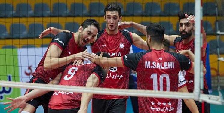 لیگ برتر والیبال| پیروزی سخت ارومیه مقابل فولاد سیرجان/ شاگردان اکبری دوم ماندند
