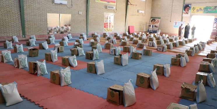 توزیع ۷۰۰ بسته معیشتی در لارستان