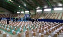 فیلم|سومین مرحله رزمایش مومنانه در کنارک با توزیع ۱۰۰۰ بسته معیشتی