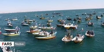 رژه بزرگ ۱۰۰۰ شناور مردمی بسیج دریایی در تنگه هرمز+ عکس