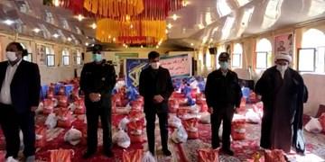 توزیع ۶۰۰ بسته معیشتی در شهرستان فیروزآباد