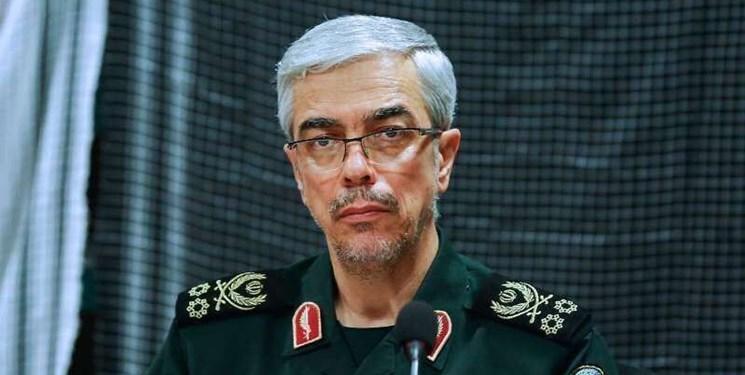 سرلشکر باقری: تهاجمی از طرف دشمنان نخواهد بود/ نیروهای مسلح در ۱۵ روز ۱۰ رزمایش را با اقتدار برگزار کردند