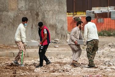 جهادگران بنیاد جهادی راسخون اهواز برای احداث بوستان تفریحی، ورزشی کوی طاهر  وارد این منطقه شدند.