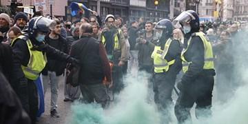 تصاویر| برخورد خشن پلیس لندن با معترضان به محدویتهای کرونایی