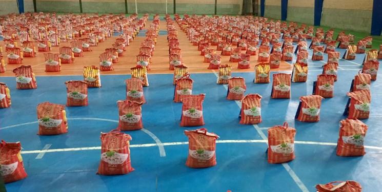 ۵۰۰ بسته معیشتی در بین نیازمندان تکاب توزیع شد