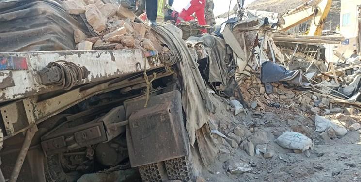برخورد تریلر  به یک واحد مسکونی در پردیس/ ۳ نفر جان باختند