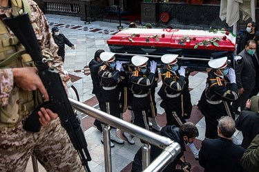 آئین وداع و خاکسپاری پیکر مطهر دانشمند شهید محسن فخریزاده در امامزاده صالح