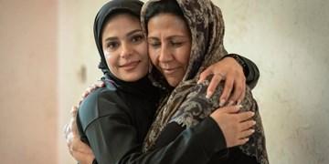 یک خانم افغان تبعه ایران برای اولین بار برنده جایزه بینالمللی «نانسن پناهندگان» شد